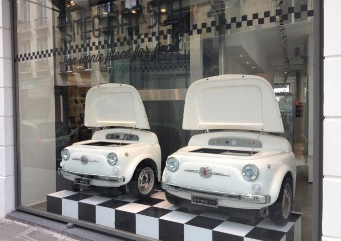 """30 мая 2013 """" SMEG 500 """" Премьера в Париже ,  в знаменитом концептуальном магазине Colette на улице Сен- Оноре ."""