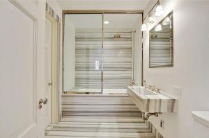 30-Marble-Bathroom-Design-Ideas-1
