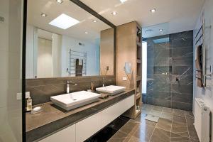 30-Marble-Bathroom-Design-Ideas-14