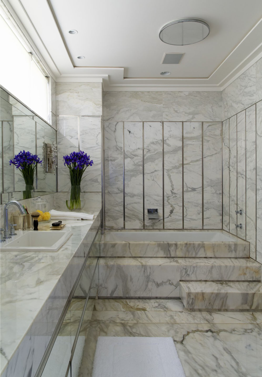 30-Marble-Bathroom-Design-Ideas-22