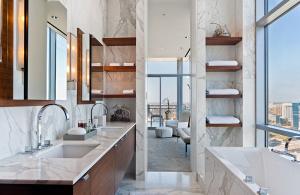30-Marble-Bathroom-Design-Ideas-26