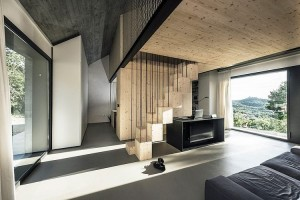 001-compact-karst-house-dekleva-gregori-arhitekti
