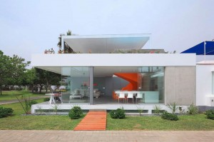 002-casa-blanca-martin-dulanto-sangalli-1050x697