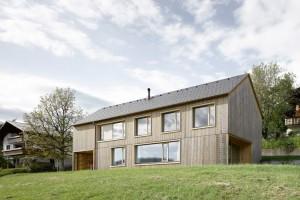 003-hause-julia-bjrn-architekten-innauer-matt-1050x700