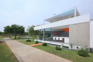 004-casa-blanca-martin-dulanto-sangalli-1050x703