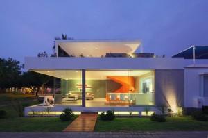 025-casa-blanca-martin-dulanto-sangalli-1050x695