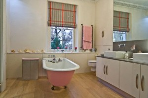 Large-and-Colouful-House-on-Portland-Road-in-London-10