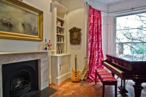 Large-and-Colouful-House-on-Portland-Road-in-London-5