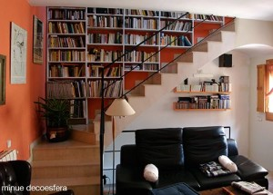 bookcase-shelves-staircase-2