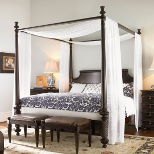 Canopy-beds-For-the-Modern-Bedroom-Freshome-361
