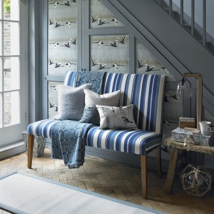 Blue-and-white-striped-bench-in-hallway--Country-Homes-and-Interiors--Housetohome.co.uk