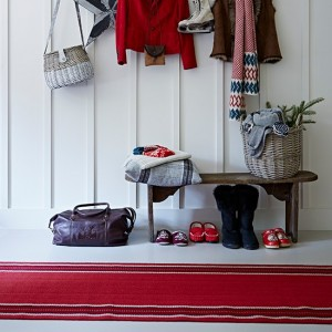 Red-runner-in-white-painted-hallway-with-bench--Country-Homes-and-Interiors--Housetohome.co.uk