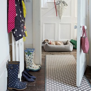 Spotty-runner-in-hallway-with-wellies-and-dog-bed--Country-Homes-and-Interiors--Housetohome.co.uk